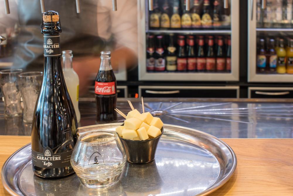 Brasserie Le Charleroi Rive Gauche